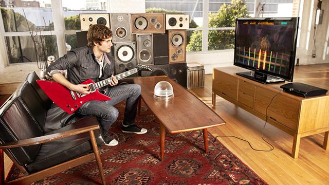 [ゲーム]本物のギターでゲームが出来る時代が来た
