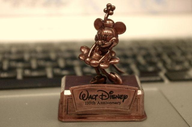 ウォルト・ディズニー生誕110周年記念ガチャポンのブロンズカラーフィギュアを購入してみました。