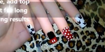 ミッキーのズボン&ミニーのスカート風なネイルアートのやり方を教えてくれる動画