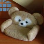 羊毛フェルトで作られたダッフィーのテーブルとソファーが可愛すぎる!